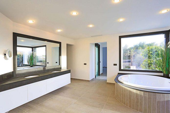 contemporary-house-mediterranean-island-mallorca-andreas-hummel-architekt-12