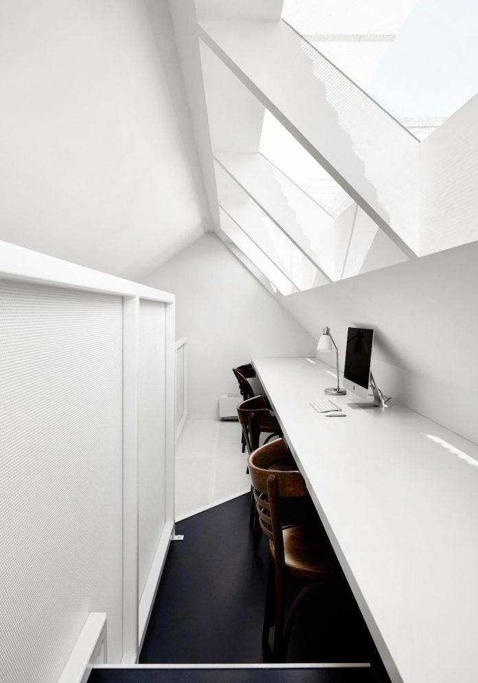 contemporary-redesigned-2-storey-small-house-austin-maynard-architects-02
