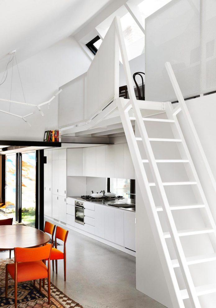contemporary-redesigned-2-storey-small-house-austin-maynard-architects-04