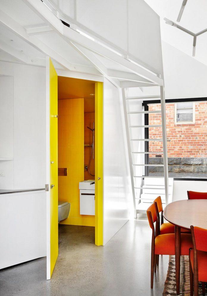 contemporary-redesigned-2-storey-small-house-austin-maynard-architects-07