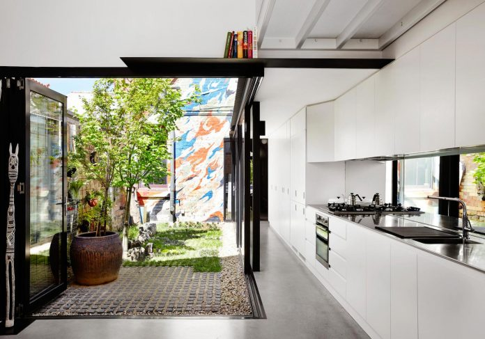contemporary-redesigned-2-storey-small-house-austin-maynard-architects-08