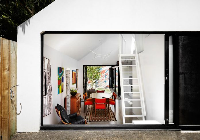 contemporary-redesigned-2-storey-small-house-austin-maynard-architects-11