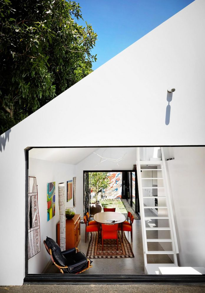 contemporary-redesigned-2-storey-small-house-austin-maynard-architects-13