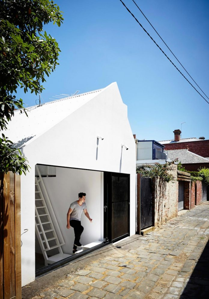 contemporary-redesigned-2-storey-small-house-austin-maynard-architects-14