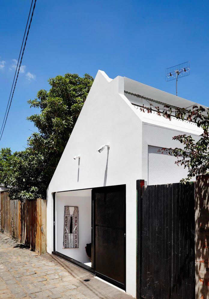 contemporary-redesigned-2-storey-small-house-austin-maynard-architects-15
