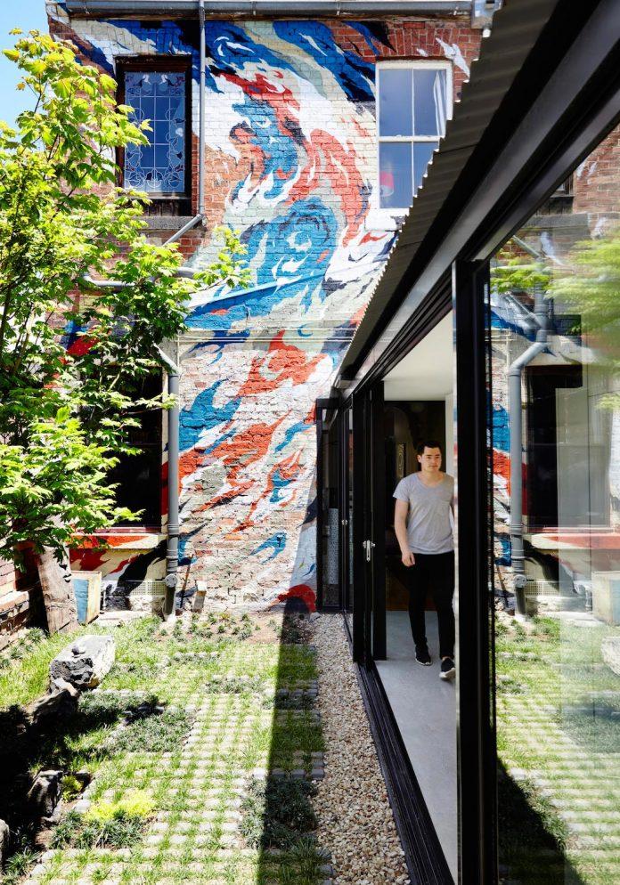 contemporary-redesigned-2-storey-small-house-austin-maynard-architects-20