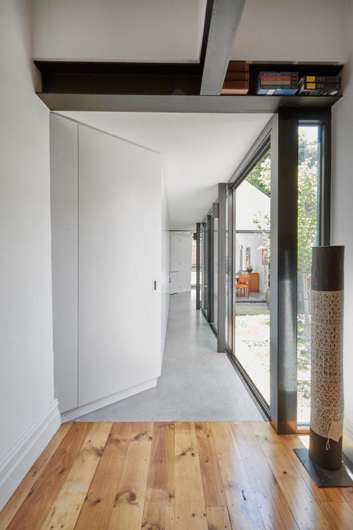 contemporary-redesigned-2-storey-small-house-austin-maynard-architects-21