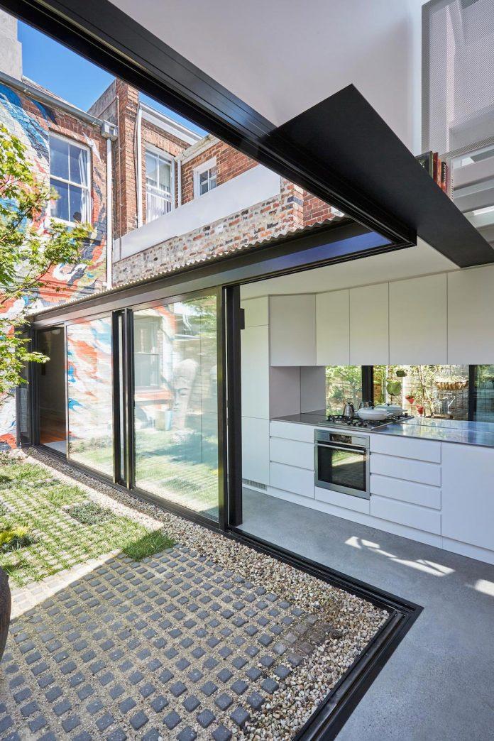 contemporary-redesigned-2-storey-small-house-austin-maynard-architects-23