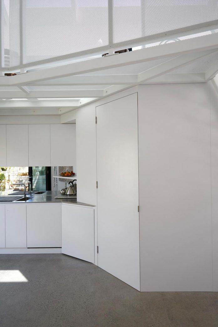 contemporary-redesigned-2-storey-small-house-austin-maynard-architects-26