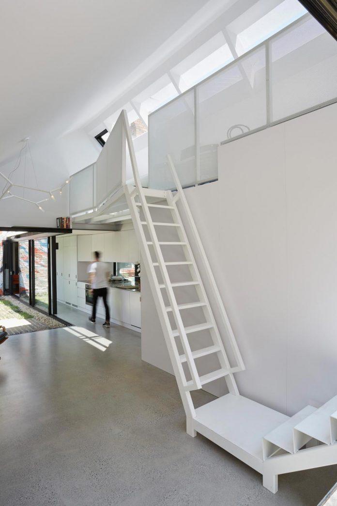 contemporary-redesigned-2-storey-small-house-austin-maynard-architects-29