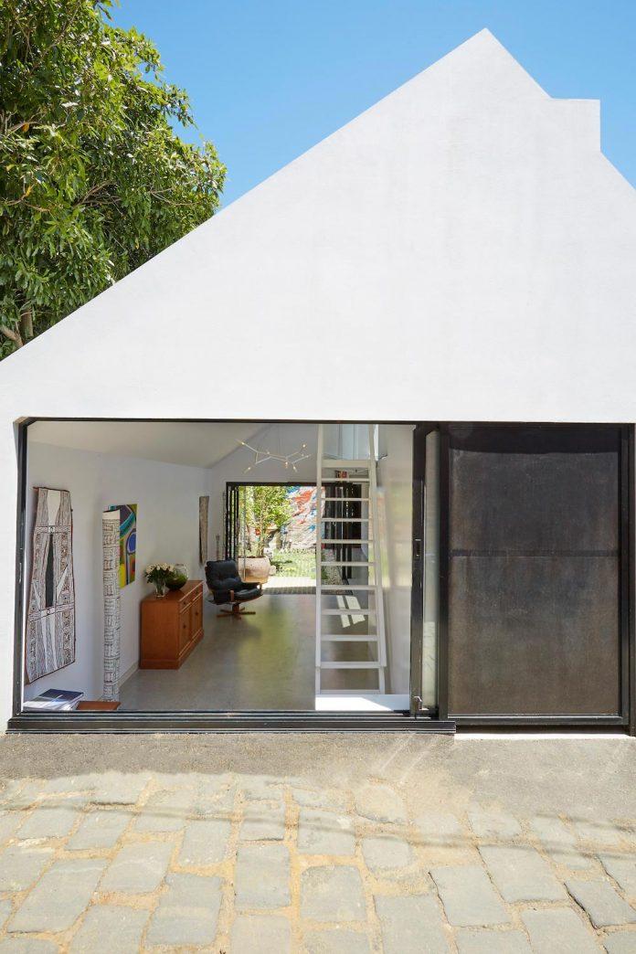 contemporary-redesigned-2-storey-small-house-austin-maynard-architects-30