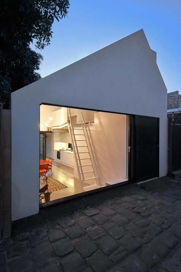 contemporary-redesigned-2-storey-small-house-austin-maynard-architects-32