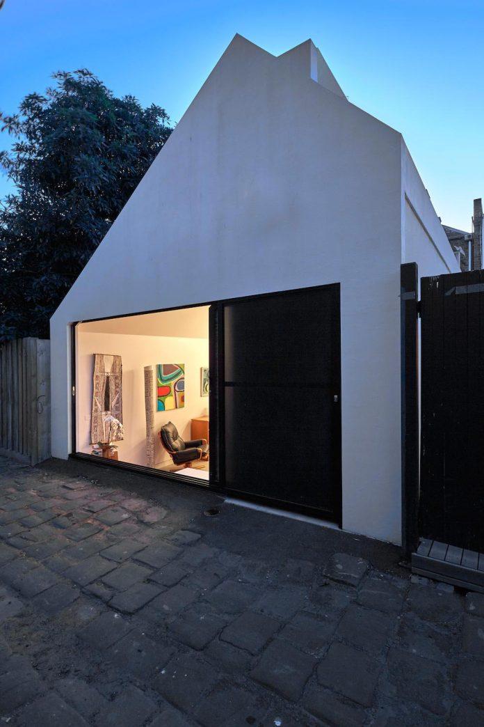 contemporary-redesigned-2-storey-small-house-austin-maynard-architects-33
