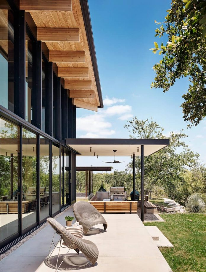 contemporary-texas-open-space-residence-huge-glass-walls-chic-good-looking-design-08