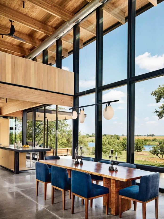 contemporary-texas-open-space-residence-huge-glass-walls-chic-good-looking-design-10