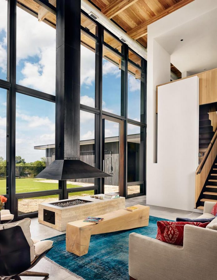 contemporary-texas-open-space-residence-huge-glass-walls-chic-good-looking-design-11