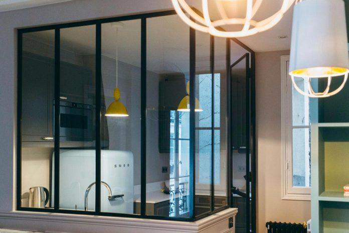 conversion-two-bedroom-haussamanian-apartment-central-paris-functional-contemporary-versatile-retro-twist-weekend-city-pad-03