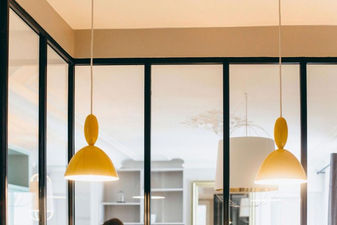 conversion-two-bedroom-haussamanian-apartment-central-paris-functional-contemporary-versatile-retro-twist-weekend-city-pad-06