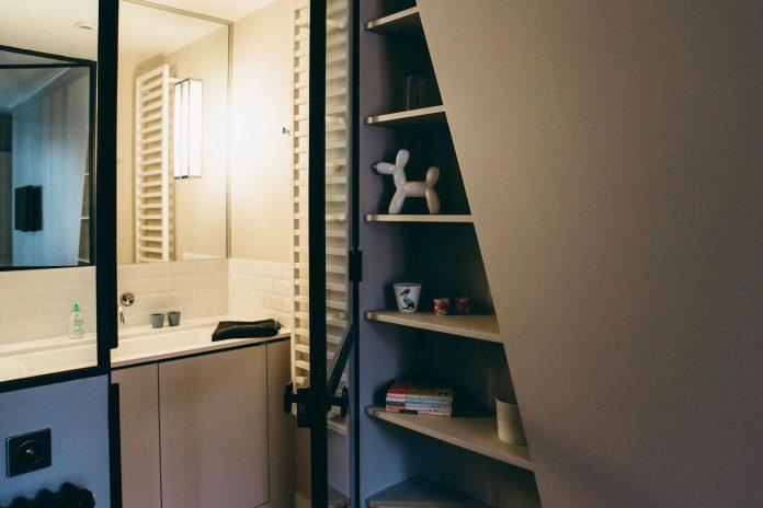 conversion-two-bedroom-haussamanian-apartment-central-paris-functional-contemporary-versatile-retro-twist-weekend-city-pad-18