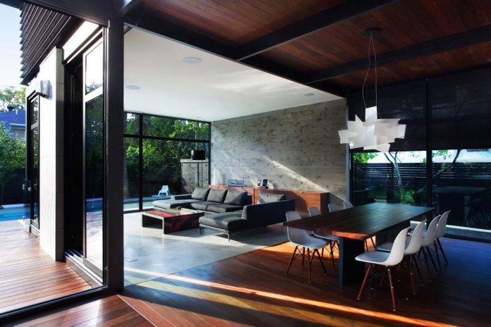coupee-croisee-contemporary-extension-ville-mont-royal-cottage-enclosed-garden-city-montreal-06