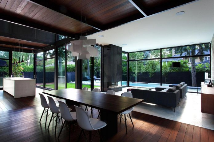 coupee-croisee-contemporary-extension-ville-mont-royal-cottage-enclosed-garden-city-montreal-07