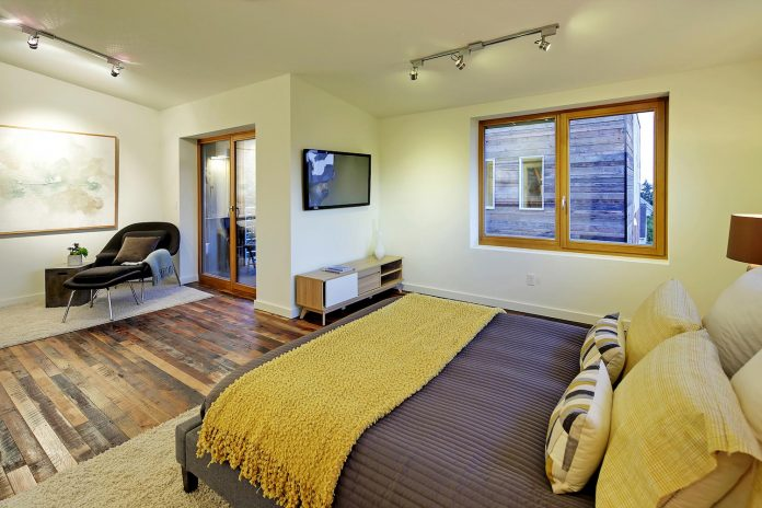 emerald-star-certified-home-seattle-cutting-edge-combination-green-technology-renewables-reclaimed-materials-07