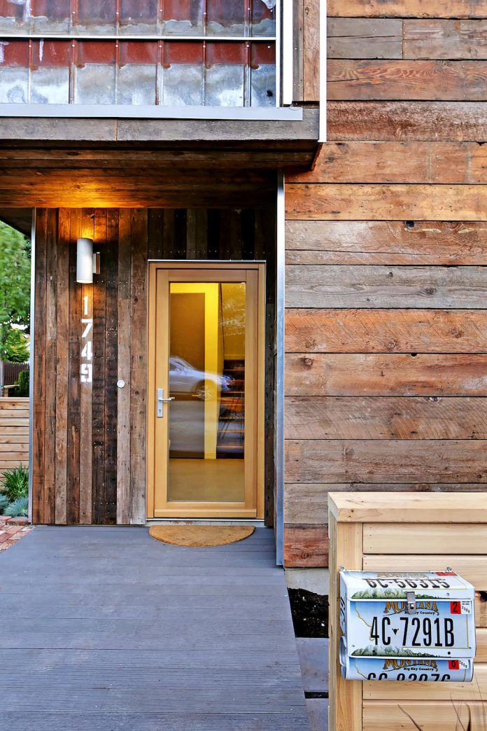 emerald-star-certified-home-seattle-cutting-edge-combination-green-technology-renewables-reclaimed-materials-10