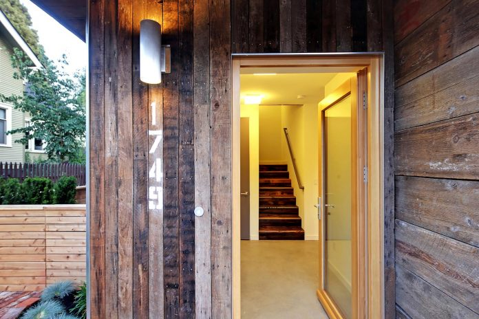 emerald-star-certified-home-seattle-cutting-edge-combination-green-technology-renewables-reclaimed-materials-14