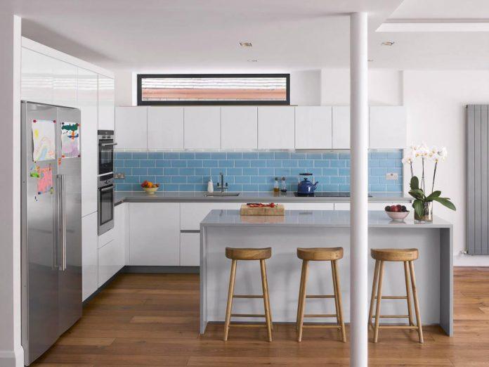 extension-old-house-order-create-light-filled-open-plan-living-room-flows-towards-garden-03