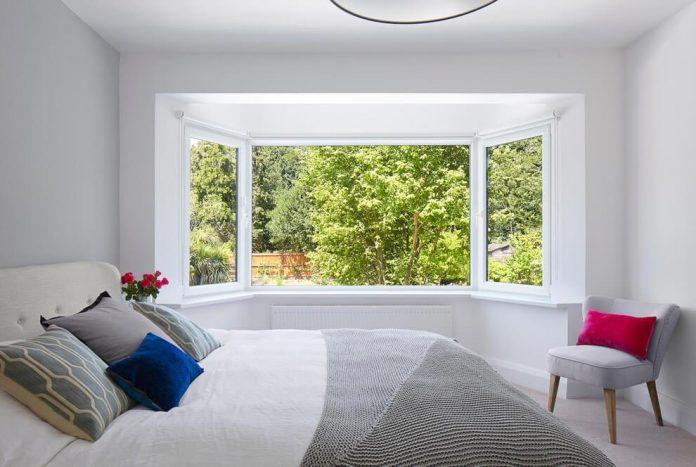 extension-old-house-order-create-light-filled-open-plan-living-room-flows-towards-garden-09