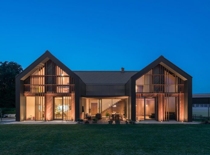 family-villa-xl-designed-large-family-seven-formed-two-mutually-parallel-volumes-one-connecting-volume-16