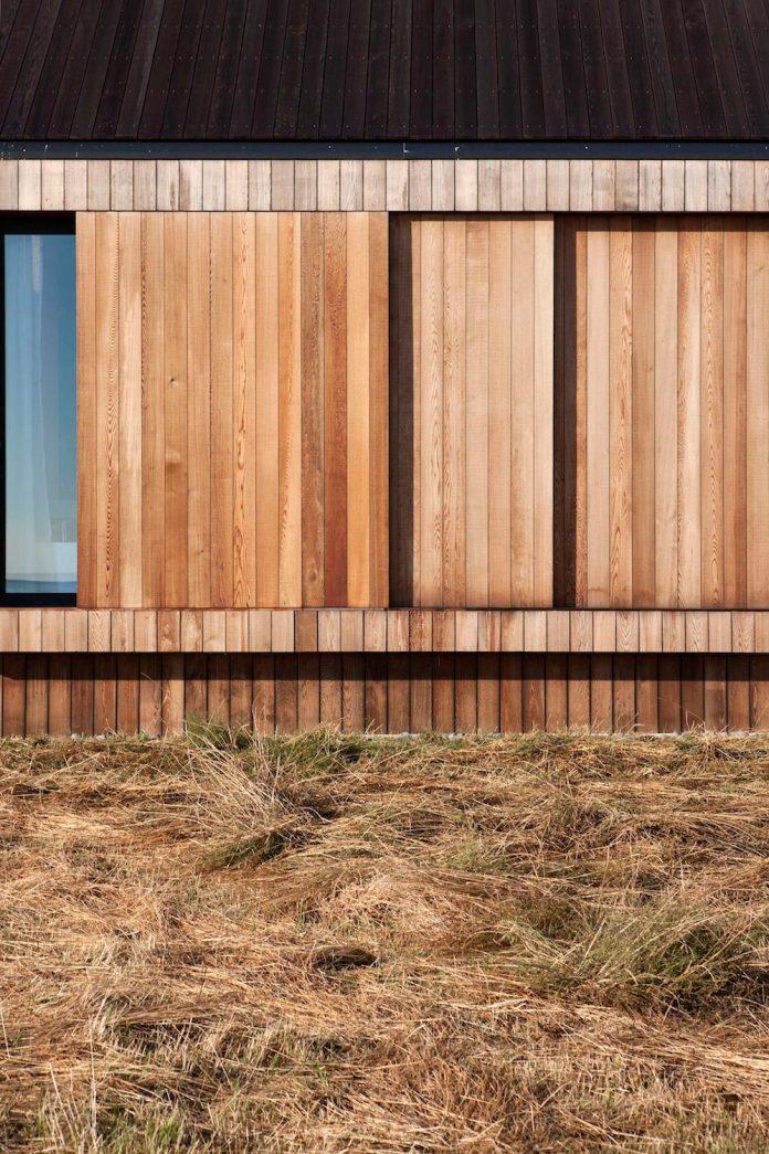 farm-experience-designed-form-centre-piece-remote-symmetrical-thundering-surf-beach-07