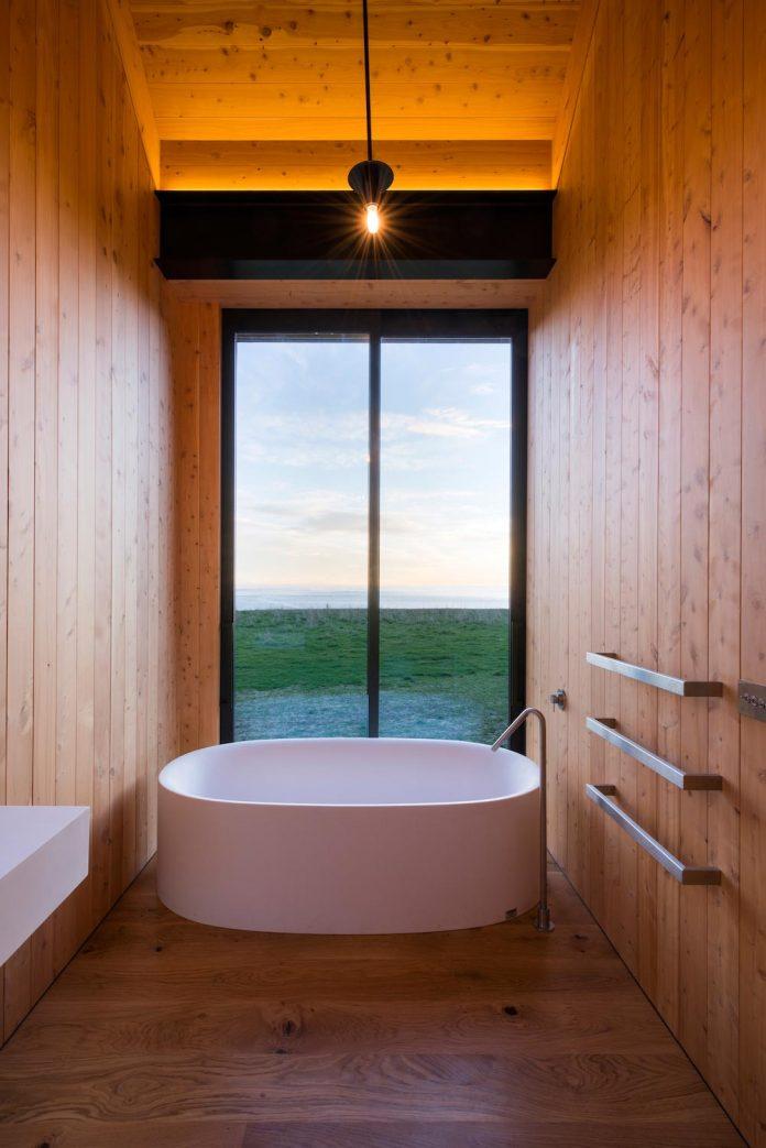 farm-experience-designed-form-centre-piece-remote-symmetrical-thundering-surf-beach-10