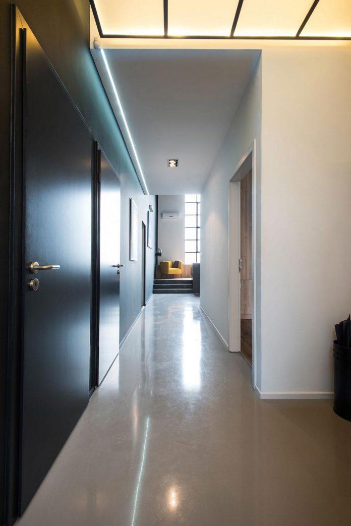 gasparbonta-designed-contemporary-two-bedroom-apartment-budapest-01
