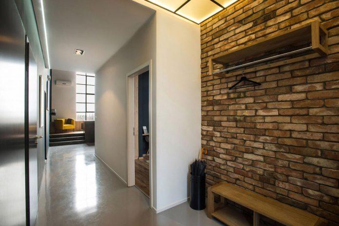 gasparbonta-designed-contemporary-two-bedroom-apartment-budapest-02