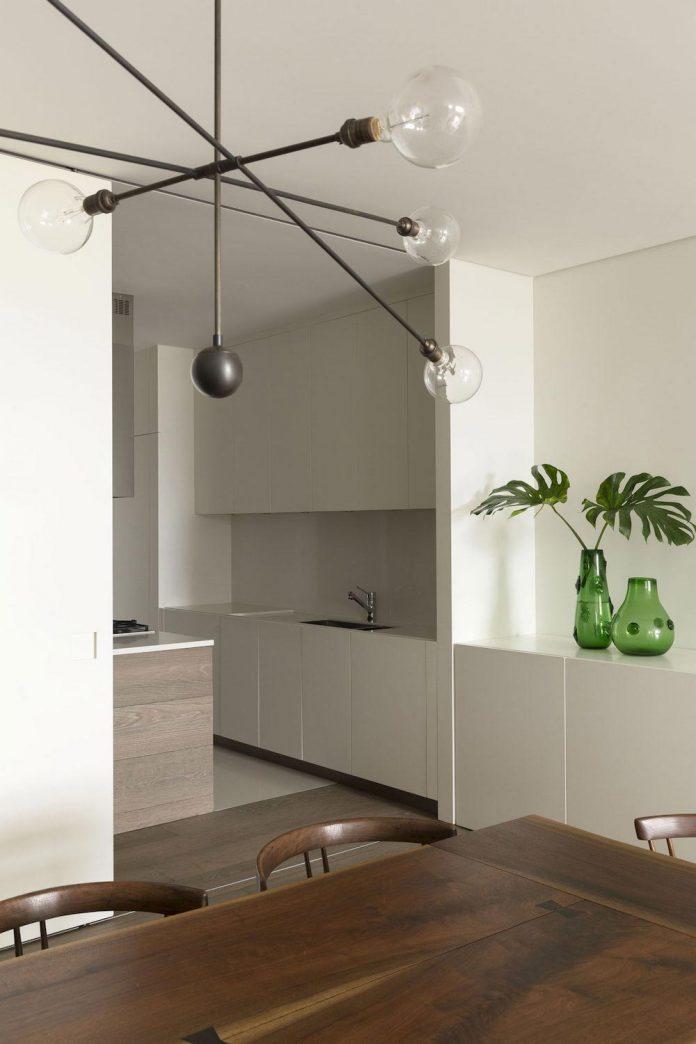 ground-floor-flat-garden-located-near-central-park-transformed-open-luminous-dwelling-studio-arthur-casas-19