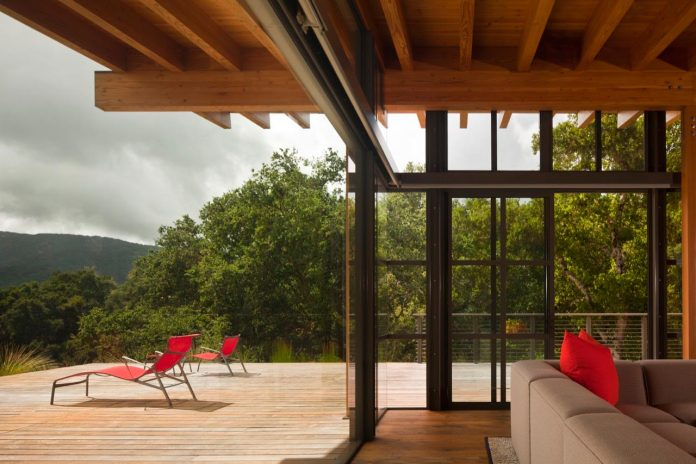 halls-ridge-knoll-guesthouse-thoughtful-modernist-intervention-carefully-detailed-stone-timber-glass-05