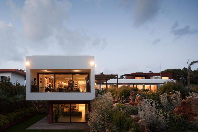 house-quinta-da-marinha-fragmentos-de-arquitectura-10