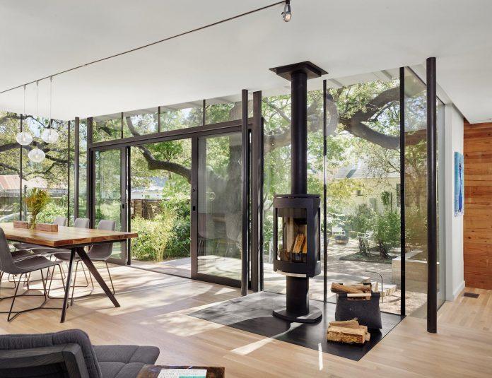 leantoo-addition-existing-cottage-situated-vibrant-austin-neighborhood-03