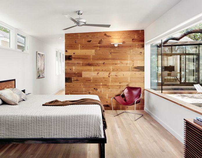 leantoo-addition-existing-cottage-situated-vibrant-austin-neighborhood-08