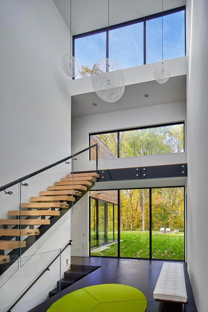 linear-composition-minimal-home-two-story-living-space-open-floor-plan-10