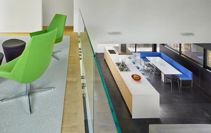 linear-composition-minimal-home-two-story-living-space-open-floor-plan-13