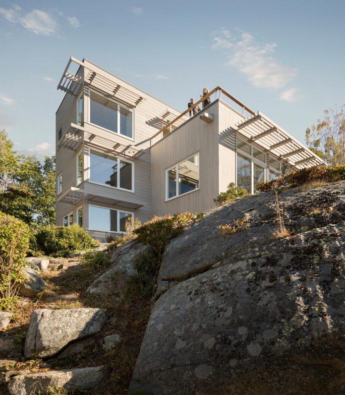 located-granite-knob-30-lily-pond-house-overlooks-atlantic-ocean-south-01
