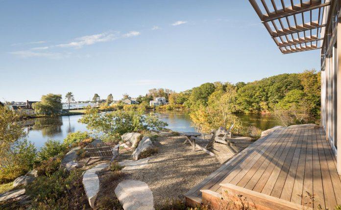 located-granite-knob-30-lily-pond-house-overlooks-atlantic-ocean-south-03