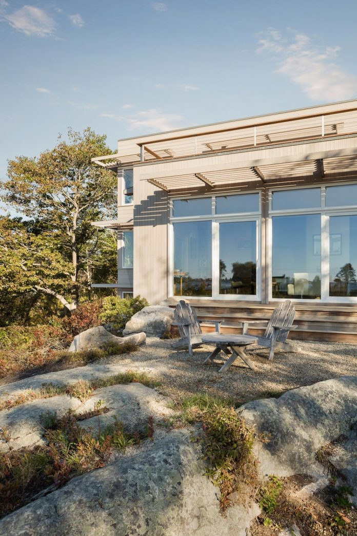located-granite-knob-30-lily-pond-house-overlooks-atlantic-ocean-south-04