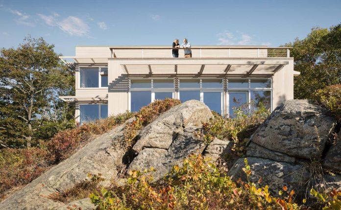 located-granite-knob-30-lily-pond-house-overlooks-atlantic-ocean-south-05