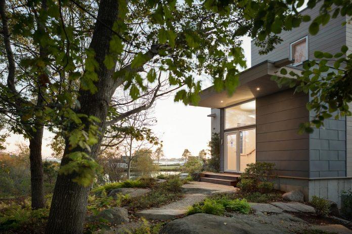 located-granite-knob-30-lily-pond-house-overlooks-atlantic-ocean-south-14