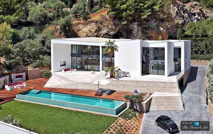 luxury-mediterranean-origami-villa-located-son-vida-mallorca-03