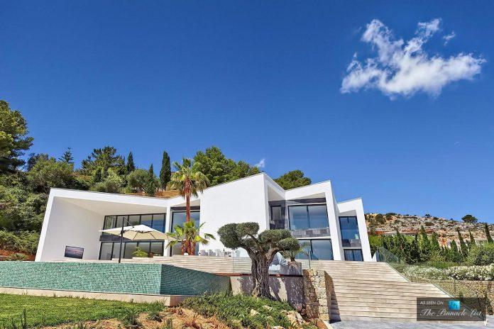 luxury-mediterranean-origami-villa-located-son-vida-mallorca-04