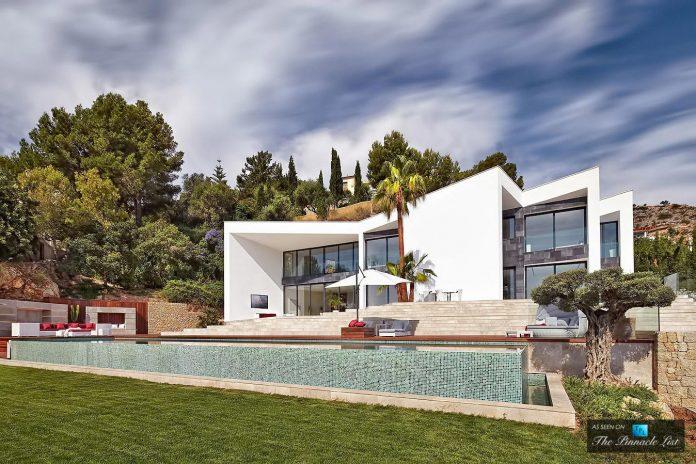 luxury-mediterranean-origami-villa-located-son-vida-mallorca-05